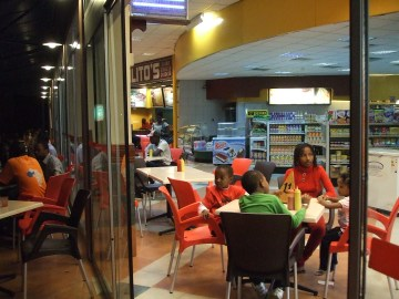 Eerily American: A food court in Dakar